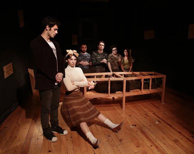 Bir Oyun, Tato Baba – Galata Perform; Çekiç Babalar ve KırılganOğullar
